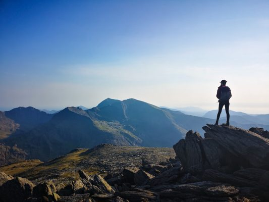 5 Ways To Connect With Nature Through Adventure - Hiking